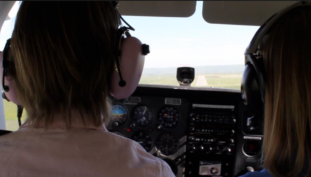 On final approach, wearing the headset.