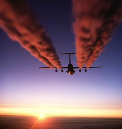 C-141 Starlifter contrail. Image Courtesy of Wikipedia.org